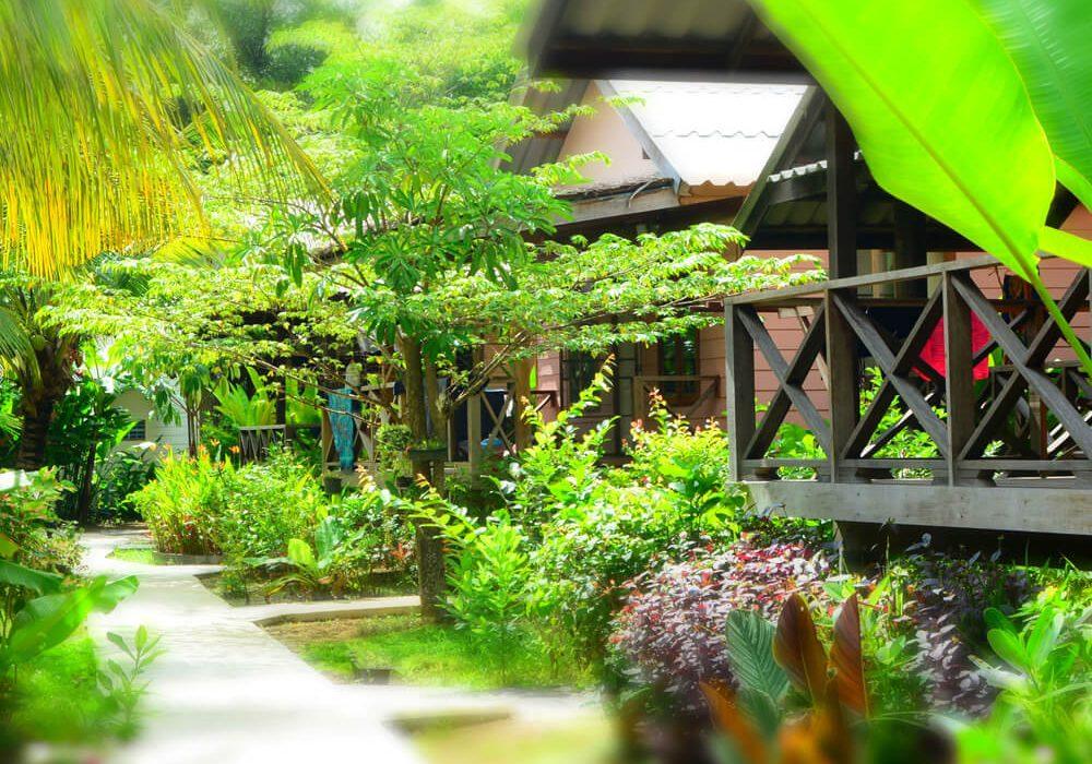 arriving-at-island-yoga-thailand